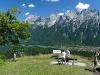 Aussicht vom Hohen Kranzberg auf Mittenwald und die Nördliche Karwendelkette, Bayern, Deutschland