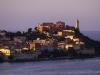 Altstadt von Portoferraio und Forte Stella im Abendlicht, Elba, Toskana, Italien