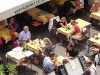 Französisches Savoir Vivre in einem Restaurant in Antibes, Cote d\'Azur, Frankreich