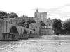 Der berühmte historische Brückenstumpf an der Rhone in Avignon, Provence, Frankreich