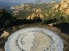 Auf dem Gipfel des Cap Roux erläutert eine Karte das 360 Grad Panorama, Estérel, Cote d\'Azur, Frankreich