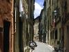 Gasse in der Altstadt von Menton, Cote d\'Azur, Frankreich