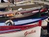 Boote im Hafen von Torri del Benaco, Gardasee, Italien