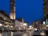 Piazza delle Erbe bei Nacht, Verona, Venetien, Italien