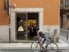 Strassenszene in Verona, Venetien, Italien