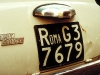 Nummernschild eines Fiat 500 aus Rom, Italien