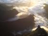 Niedrige Wolken im Tal von Faja da Nogueira beim Sonnenaufgang über Madeira, Portugal