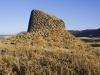 Überall auf der Insel finden sich mit Nuraghen, Festungstürmen, Relikte der nuraghischen Kultur, Sardinien, Italien