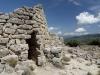 Ruinen einer Nuraghen-Festung im Hinterland des Gennargentu-Gebirges, Sardinien, Italien