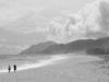 Wanderer am Strand Planargia bei Barisadro, Ogliastra, Sardinien, Italien