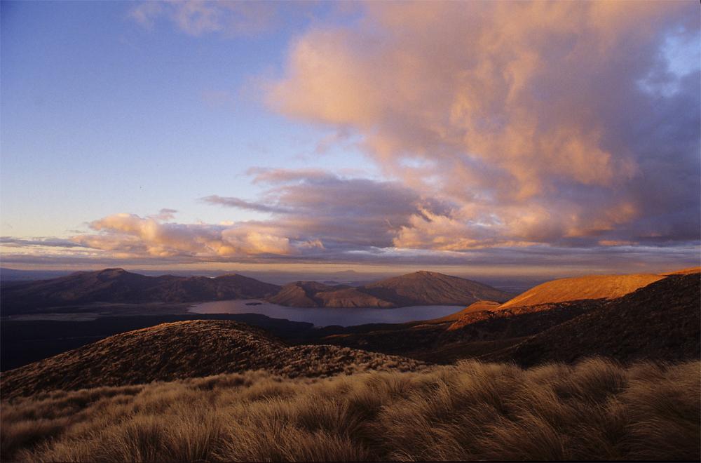 Sonnenuntergang an der Ketetahi Hut, Tongariro Nationalpark, Neuseeland
