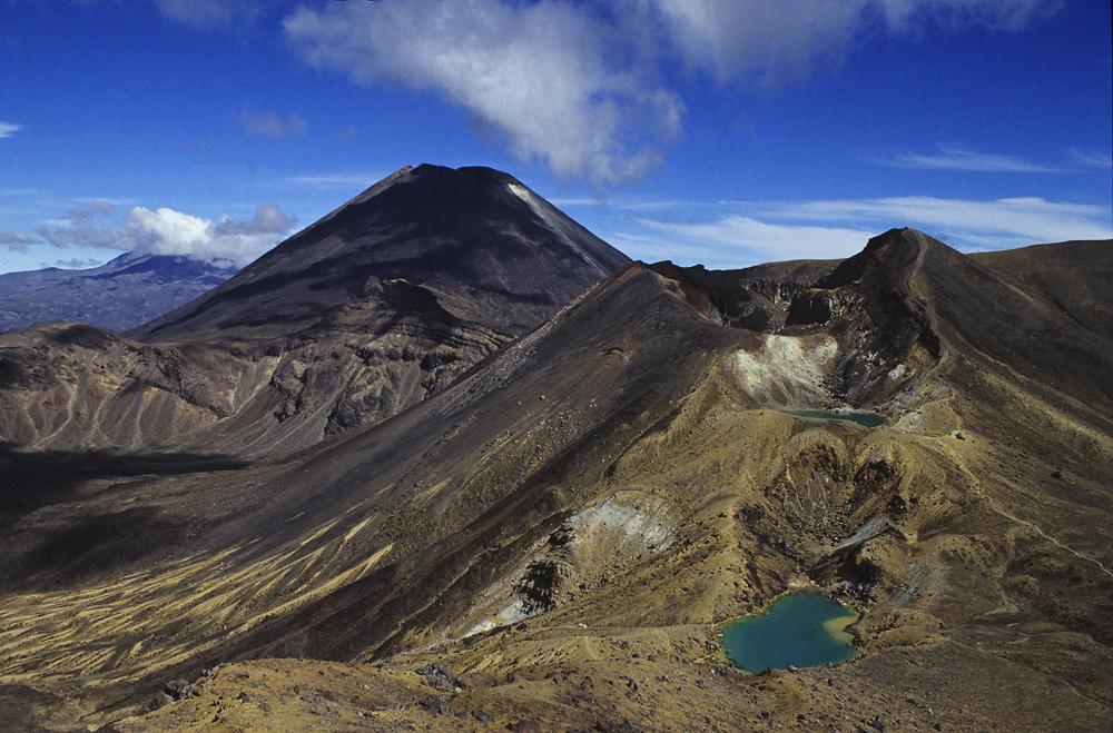 Spektakulärer Höhepunkt des Tongariro Crossing, der Überquerung der Vulkanlandschaft im Zentrum der Nordinsel