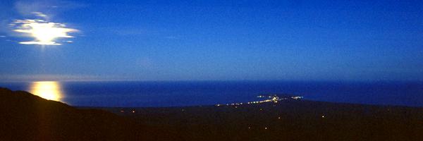 Vollmond über der Kaikoura Peninsula