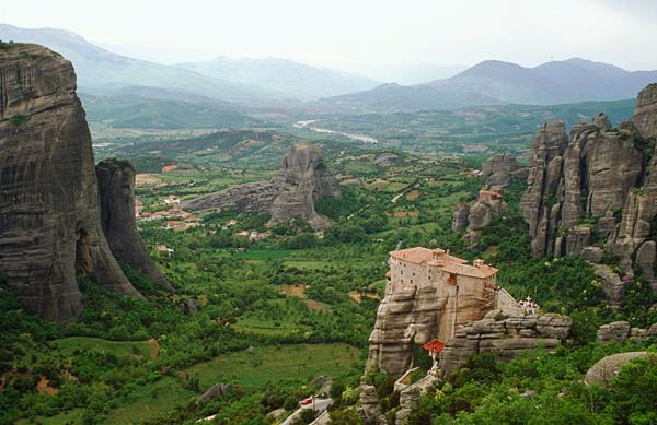 Felsen und Klöster vom Meteora in Mittelgriechenland