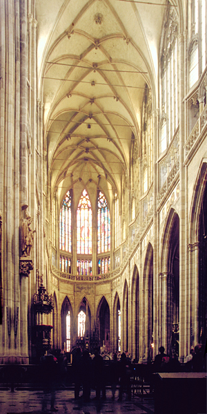 Langschiff im St.Veits-Dom auf der Prager Burg, Prag, Tschechien