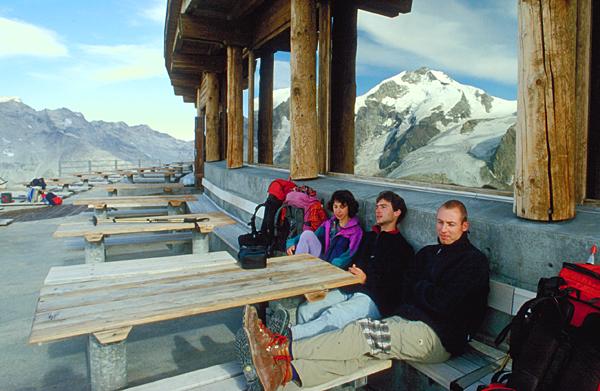 Auf der Aussichtsterasse der Diavolezzahütte, Engadin, Graubünden,Schweiz