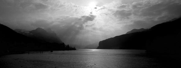 Der Walensee bei Weesen, Kanton St.Gallen, Schweiz