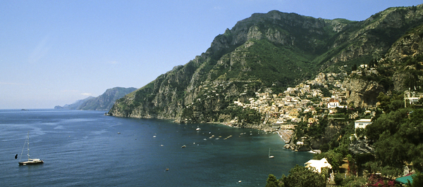 Westliche Amalfiküste mit Positano, Kampanien, Italien