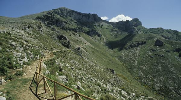 Aufstieg untrhalb des Mt. Altino zum Redentore, Monti Aurunci, Kampanien, Italien
