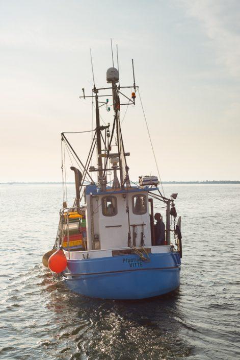 Fischerboot im Hafen von Vitte auf der Insel Hiddensee
