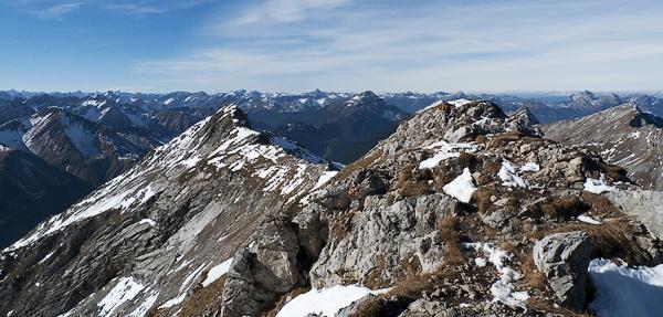 Blick vom Gipfel des Daniel auf Uppspitze und Lechtaler Alpen, Österreich, Tirol