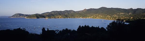 Panoramablick auf Bagnaia und Castel del Volterraio, Elba, Toskana, Italien