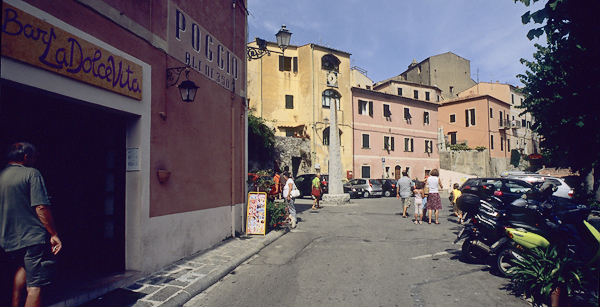 Das Bergdorf Poggio auf Elba, Toskana, Italien
