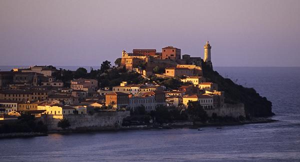 Altstadt von Portoferraio mit Forte Stella, Elba, Toskana, Italien