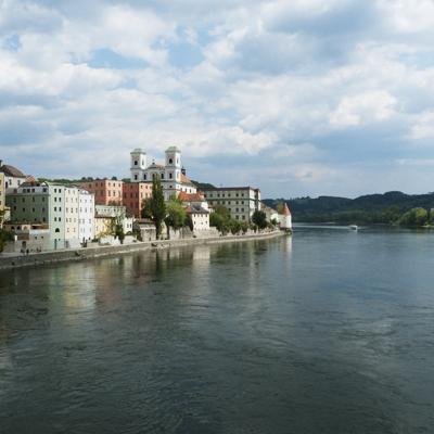 Der Inn und die Altstadt von Passau, Bayern, Deutschland