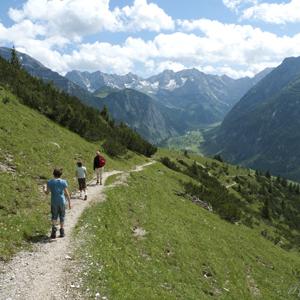 Abstieg von der Hasentalalm, Grosser Ahornoden, Risstal, Karwendel, Österreich