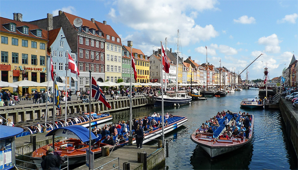 Der sehenswerte Nyhavn, Kopenhagen, Dänemark
