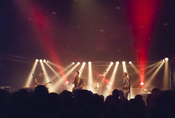 Jesper Munk und Band auf dem Uferlos Festival 2015 in Freising