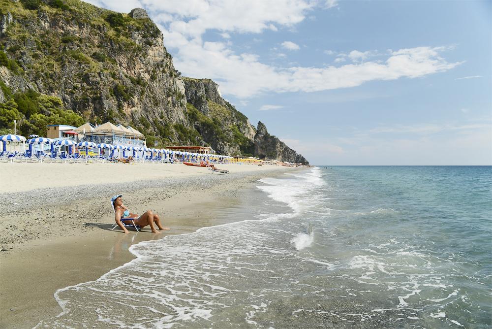 Die Spiaggia Mingardo an der cilentanischen Riviera, Kampanien, Italien