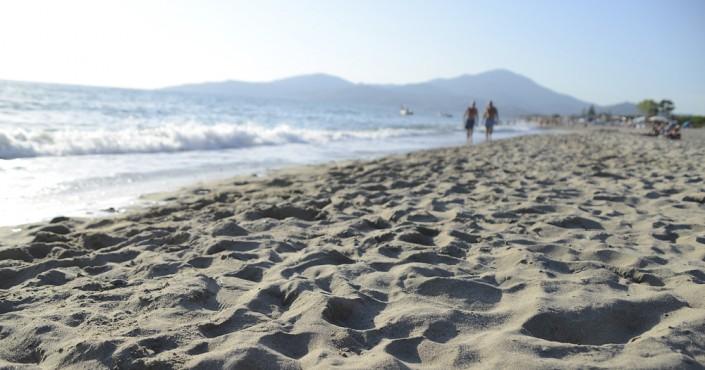 Strand in der Bucht von Velia, Cilento, Kampanien, Italien