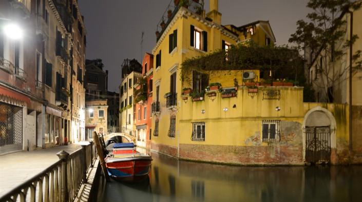 Abendstimmung am kleinen Kanal der Fondamente dell Osmarin, Venedig, Italien