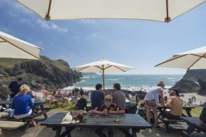 Tolle Aussicht von der Terasse des Cafe in der Kynance Cove Buch