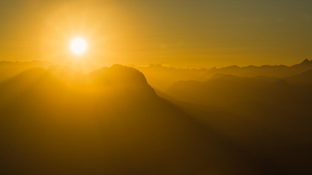Sonnenuntergang über Pendling, Inntal, Rofangebirge und Karwendel, Tirol, Österreich
