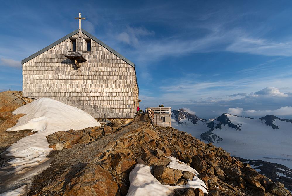 Das Becherhaus in den Stubaier Alpen ist auf 3.195 m die höchstgelegene Schutzhütte Südtirols.