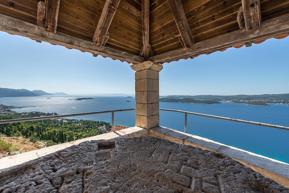 Panorama von der Loggia vor dem Franziskanerkloster bei Orebic mit Blick auf Korcula, Halbinsel Peljesac, Dalmatien, Kroatien