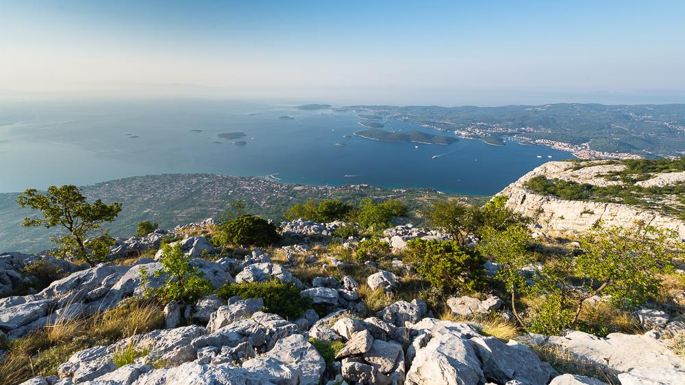 In den Bergen oberhalb Orebic mit Blick auf Korcula, Dalmatien, Kroatien