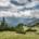 Sommerliches Bergpanorama beim Abstieg vom Hinteren Sonnwendjoch, Tirol, Österreich